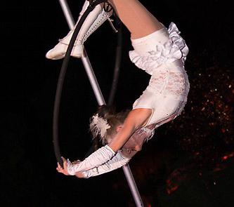 Acrobates aérien, Labo M Arts / © Weemove
