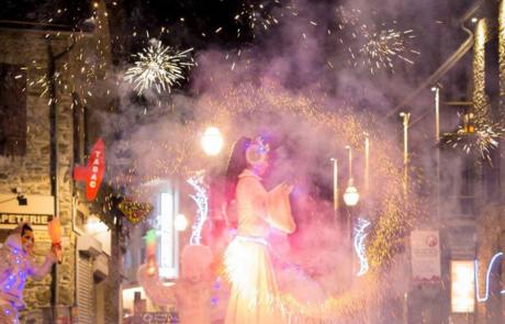 La magie de Noël, spectacle déambulatoire, Labo M Arts / © Flo-Z Photographie