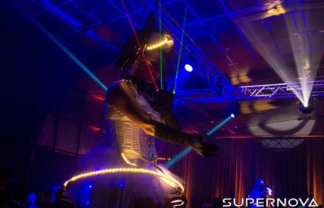 Show laser futuriste, Labo M Arts / © Supernova