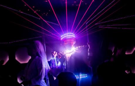 Show laser futuriste, Labo M Arts / © DR