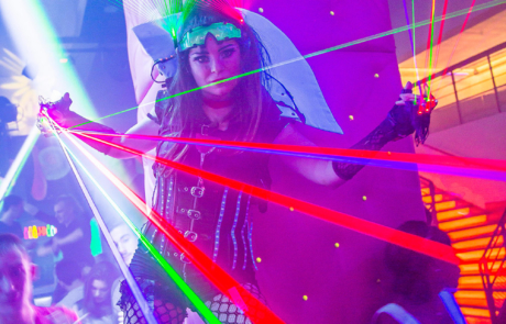 Show laser futuriste, Labo M Arts / © Ludovic Cabrita
