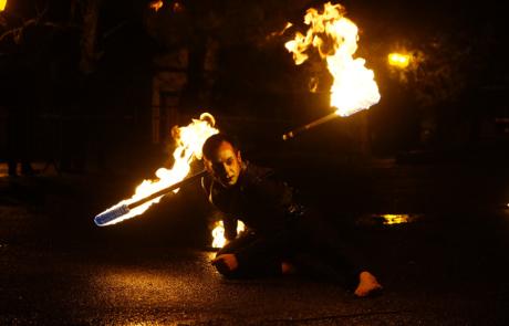 Jongleur de feu- Labo M Arts- @DR